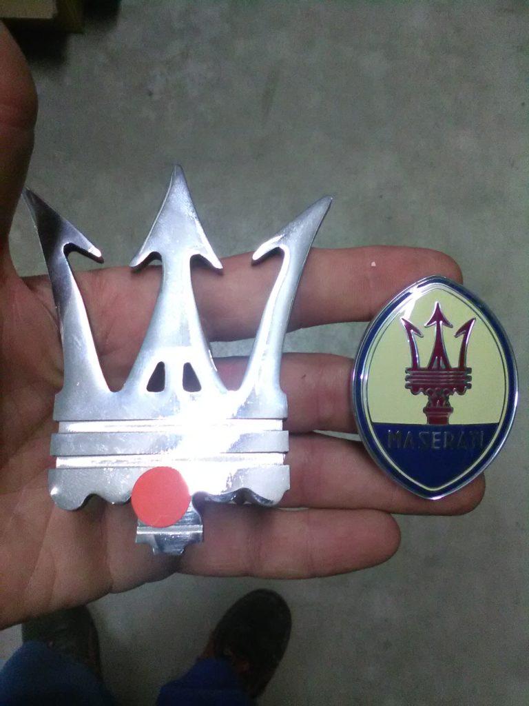 Badge Maserati Biturbo