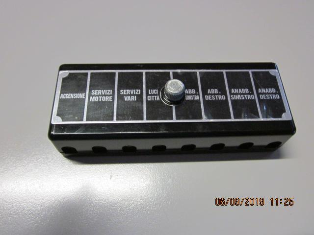 Fuse box 750 / 101 (8 fuses)